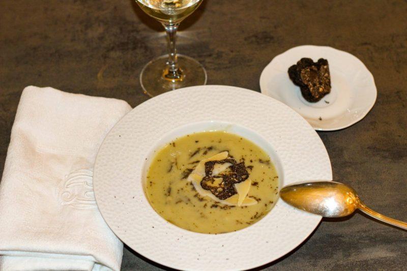 Soupe artichaut à la truffe noire du Périgord et au parmesan