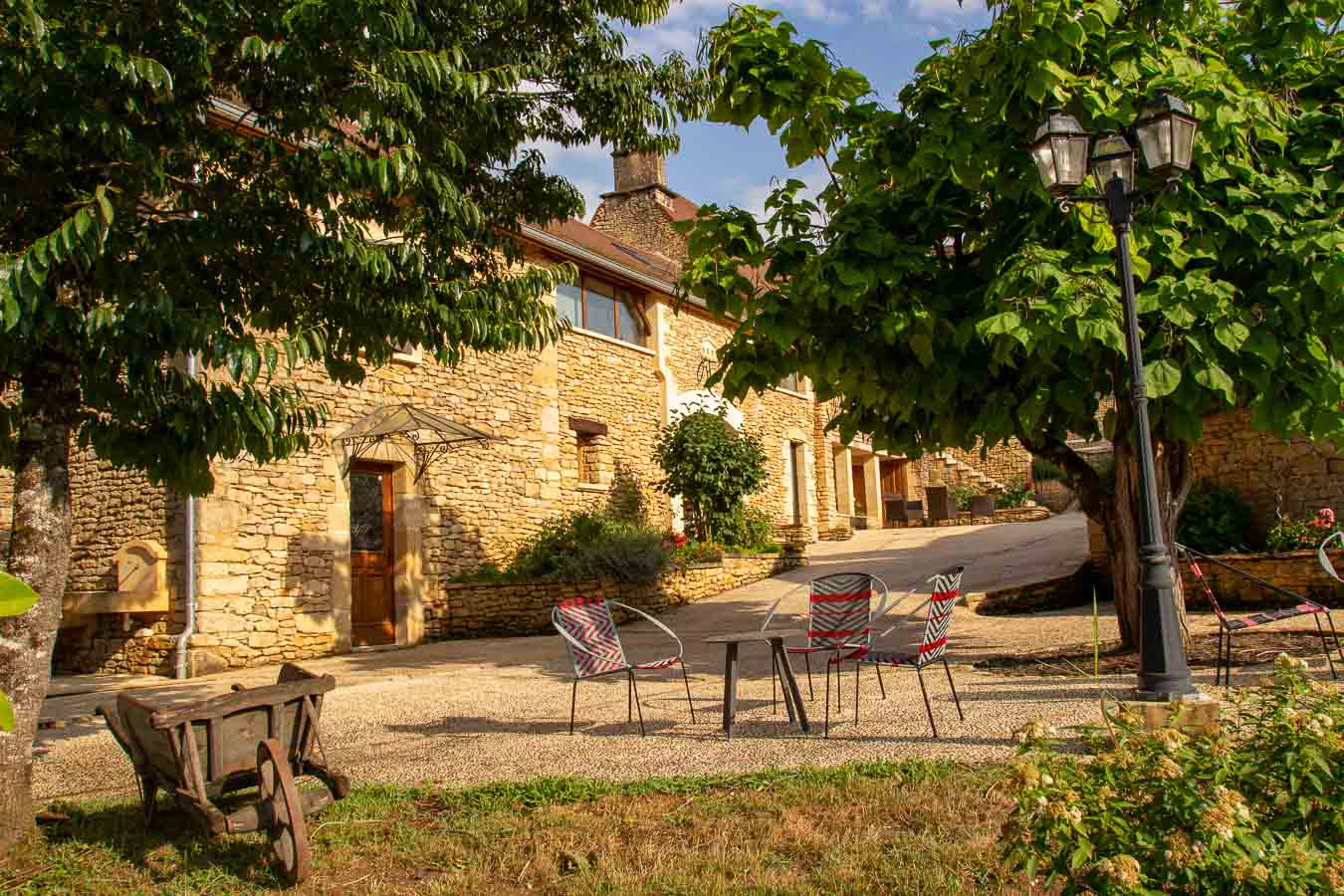 Opening a cottage for 4 persons with SPA near Sarlat in the Dordogne
